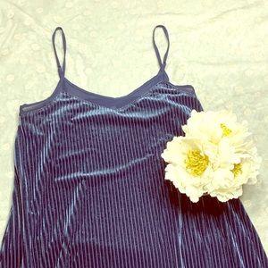 IEUC Blue Suede midi Mudd dress 🥳‼️